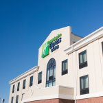 Photo of Holiday Inn Express & Suites Morton-Peoria Area