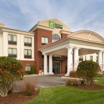 Photo de Holiday Inn Express Hotel & Suites Tullahoma East