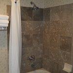 Photo de GuestHouse Inn & Suites Poulsbo