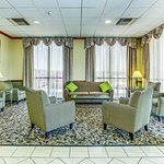 Photo of La Quinta Inn & Suites Wichita Airport