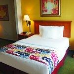 Foto de La Quinta Inn & Suites Springfield Airport Plaza