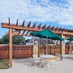 Photo of La Quinta Inn & Suites Dallas Love Field