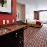 Photo de Holiday Inn Express York Southeast