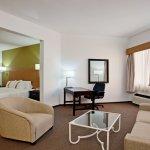 Photo de Holiday Inn Tijuana Zona Rio