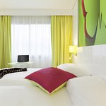 Photo de Ibis Styles Bordeaux Saint Medard
