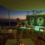 Iconic Santorini, a boutique cave hotel Foto