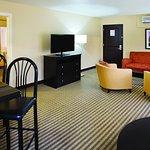 Photo de La Quinta Inn & Suites Tucson - Reid Park