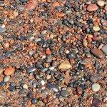 ビーチは小石なので砂だらけになりません。