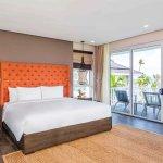 Guest Room (247655795)