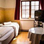Photo de Romantik Hotel Vardshuset Hwitan