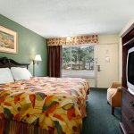 Photo of Travelodge Tampa/ West Of Busch Gardens