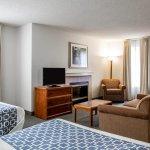Cloverleaf Suites Columbia