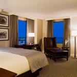 Hilton Philadelphia at Penn's Landing King Bed