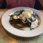 Mushrooms, spinach and eggs with toast