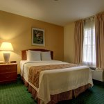 Photo de Home Towne Suites - Montgomery