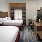 Photo de Holiday Inn Express & Suites Charlottesville - Ruckersville