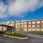 ‪Holiday Inn Express & Suites Alpena - Downtown‬