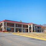 Photo of Red Roof Inn & Suites Scottsboro