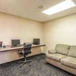 Photo of Rodeway Inn & Suites East / I-44