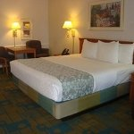 Photo de Stay Express Inn Dallas - Fair Park / Downtown