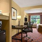 Foto de Country Inn & Suites Wolfchase - Memphis