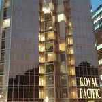 The Royal Pacific Hotel & Towers Foto