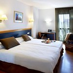 002182 Guest Room