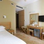 Foto de Almira Hotel