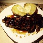 Κοντρα φιλετο με πετιμεζι συκου Κυμης. (Sirloin steak with fig molasses Kimis)