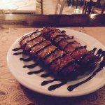 Φλογερες μελιτζανας με φετα μπεικον και balsamic Συκου.Rolled eggplant in crust with bacon and f