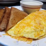Omelet Toast & Grits
