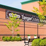 Nearby Tanger Outlet Shopping Center. Only a Free shuttle ride away.
