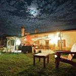 le jardin et sa terrasse , pour les belles nuits d'été à la Barguillère