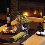 Tapas et vin bio d'Ariège au coin du feu à l'Auberge la Barguillère, 5mn de Foix