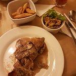 Nueva presentación de costillas de cerdo en salsa bbq  y Gordon Blue de res