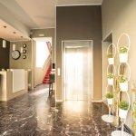 Photo de Hotel Moderno