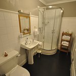 Victoria double en-suite bathroom