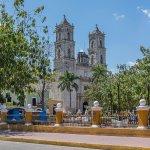 Foto de Plaza e Parque Francisco Canton
