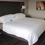 Photo de Travelodge Hotel Toronto Airport/Dixon Road