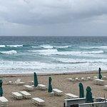 Tideline Ocean Resort & Spa Bild