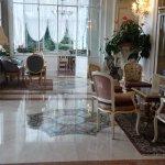 Grand Hotel Des Iles Borromees - the lobby seating