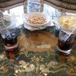 Grand Hotel Des Iles Borromees - aperitif of gin and snacks
