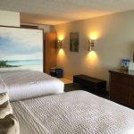Sugarloaf Lodge Hotel and Tiki Bar
