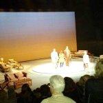 """Salutations des comédien(ne)s, à la fin de la pièce """" Ne m'oublie pas"""", au Théâtre Duceppe, à la"""