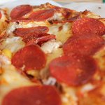 A great shot of our popular Darlene's Favorite specialty pizza, featuring our Spicy Red Sauce