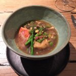raviole de foie gras, rouget barbet et bouillon de boeuf