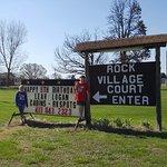 Foto Rock Village Court