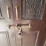 quaint door lock
