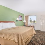 Photo de Days Inn Ashburn