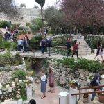 Foto de Tumba del jardín